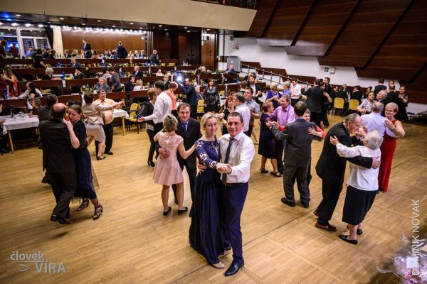 200208 farní ples UB 06