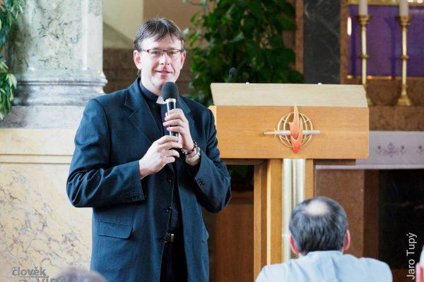 200309 setkání kněží 1