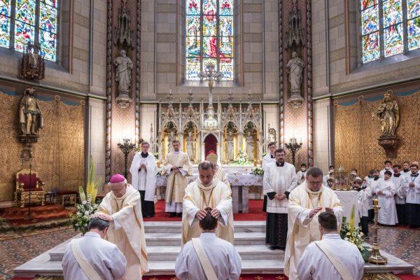 200627 kněžské svěcení 07