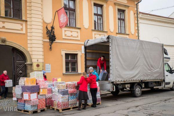 201215 ACHO dárky Ukrajina 4