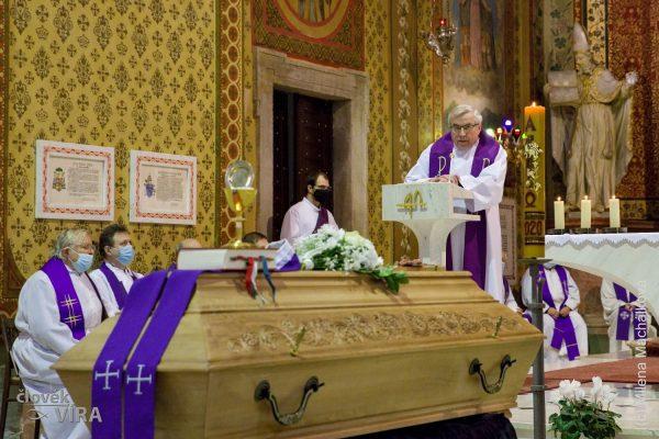 210210 pohřeb Peroutka 03