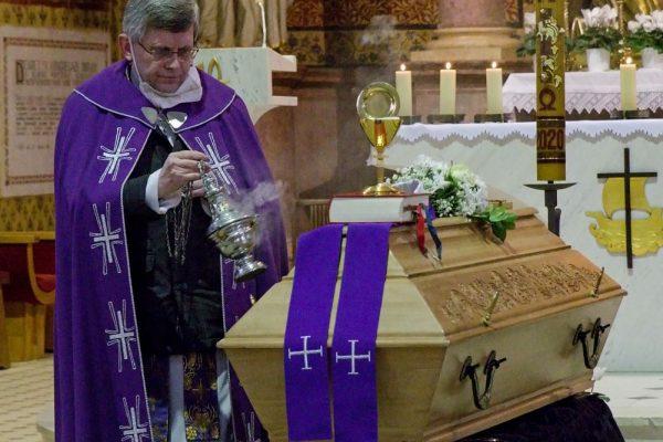 210210 pohřeb Peroutka 07