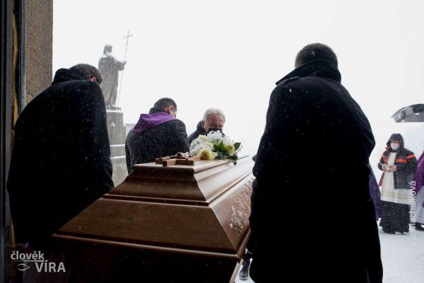 210210 pohřeb Peroutka 09