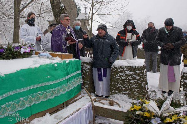 210210 pohřeb Peroutka 11