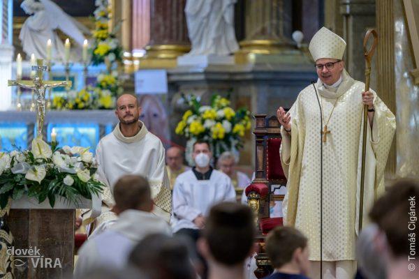 210626 kněžské svěcení Velehrad 03
