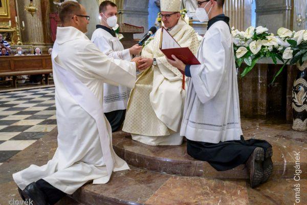 210626 kněžské svěcení Velehrad 04