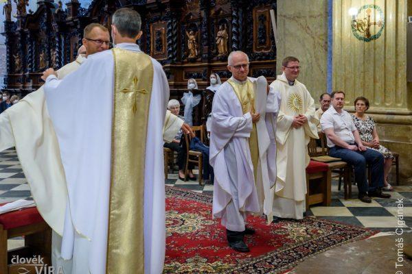 210626 kněžské svěcení Velehrad 08