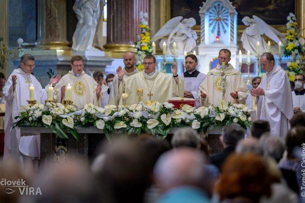 210626 kněžské svěcení Velehrad 09