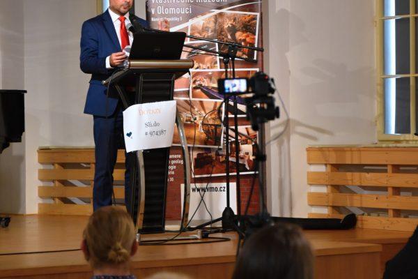 Konference – ředitel Charity ČR Lukáš Curylo